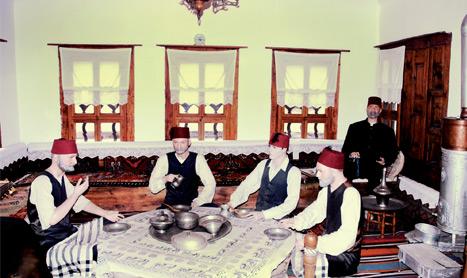 """Photo of Büyük Osmanlının Küçük Kopyası """"Osmanlı Ailesi"""""""