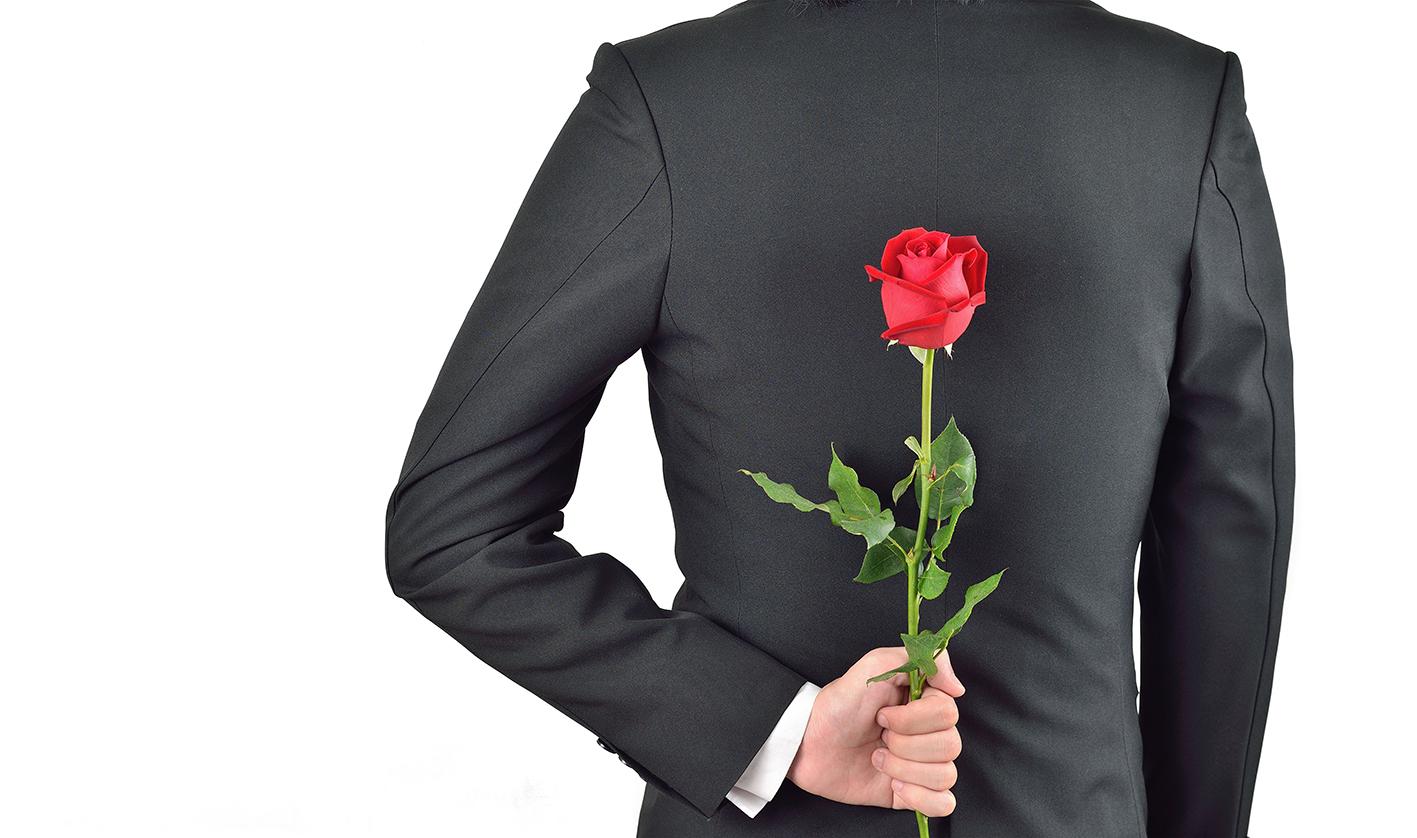 Photo of Eşinize Neden Çiçek Hediye Etmelisiniz?